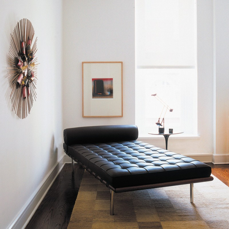 day bed lit de jour barcelona mies van derohe knoll inno design. Black Bedroom Furniture Sets. Home Design Ideas